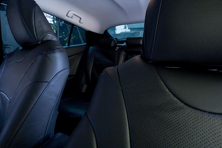 プリウス50のシートカバー適用後の車内